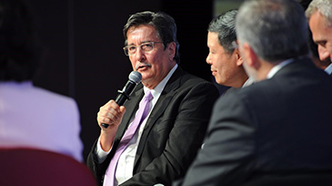CEO speaks at Singapore mice forum